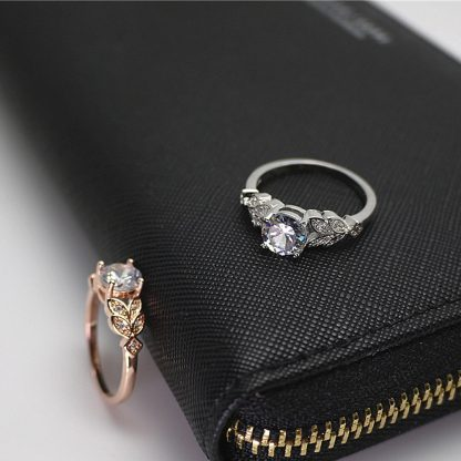 Elegant Crystal Leaf Ring Women Fashion Jewelry