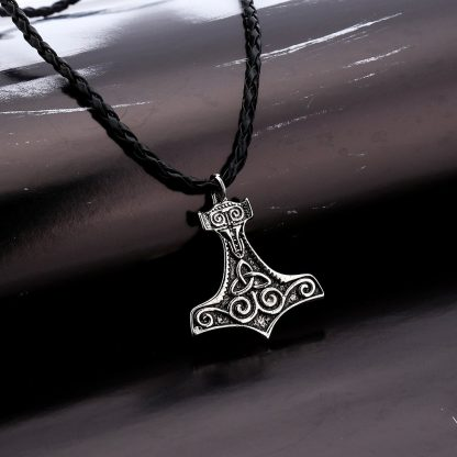 Men Pendant Leather Necklace