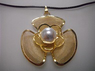 18 K Gold Plated Flower Women Pendant Necklace Fashion Jewelry